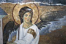 Есть ли у человека ангел-хранитель и когда он ему дается?