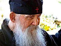 Старец Ефрем: «Сражайтесь со своими страстями!»