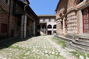 Внутренний двор монастыря Хиландар