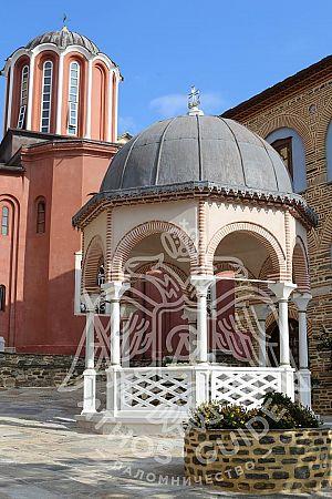 Купель монастыря Пантократор