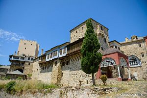 Стены монастыря Пантократор