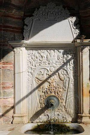 Источник в монастыре Кутулмуш