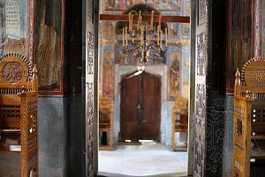 Вход в храм монастыря Хиландар