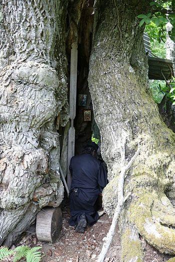 ФОТО: удивительное место молитвы Афонских монахов
