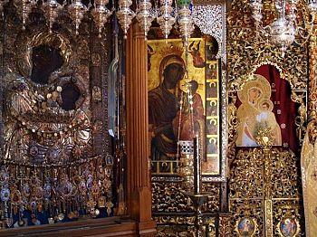 Чудотворная икона Пресвятой Богородицы Вратарницы Иверской
