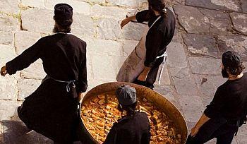 Чем питаются святогорские монахи?