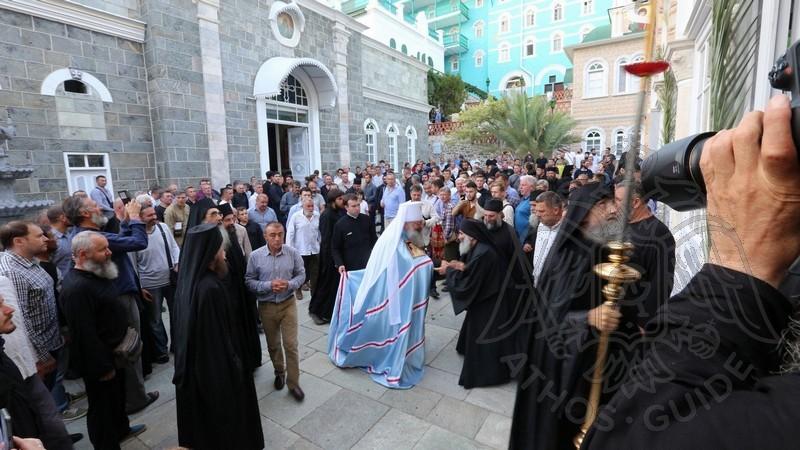 Крестный ход в Свято-Пантелеймоновом монастыре
