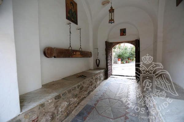 Внутренние помещения монастыря Григориат