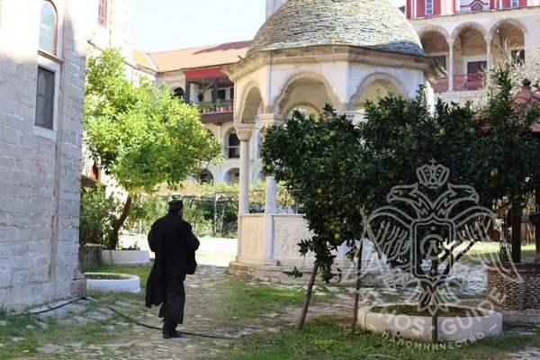 Эсфигмен, монастырь на Афоне: купель