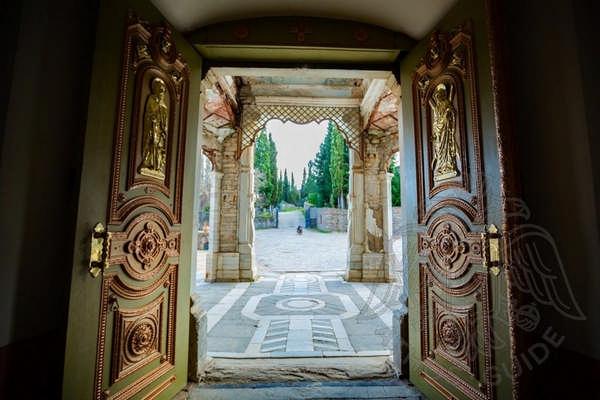 Вход в храм фото
