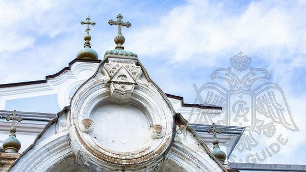 Кресты храма на Горе Афон