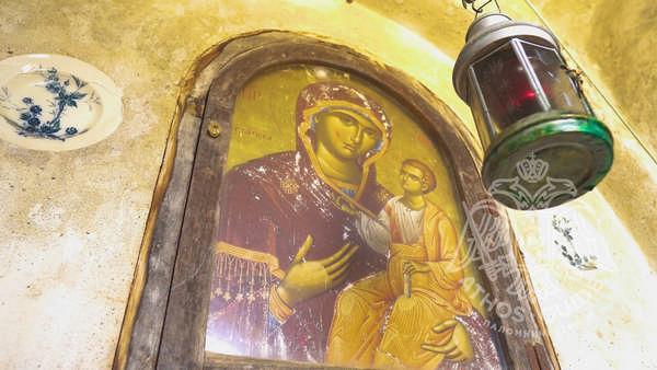 Святые иконы с Афона: икона Божьей Матери с младенцем Иисусом