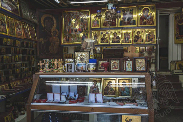 Сувенирная лавка в г. Карьес