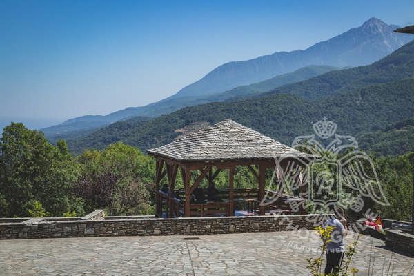 Фото панорамного вида на гору Афон