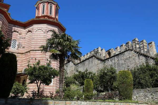 Монастырь Ксенофонт (стены монастыря)