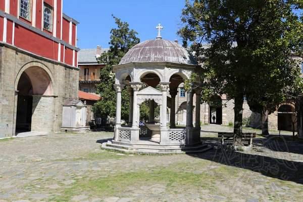 Купель монастыря Иверон