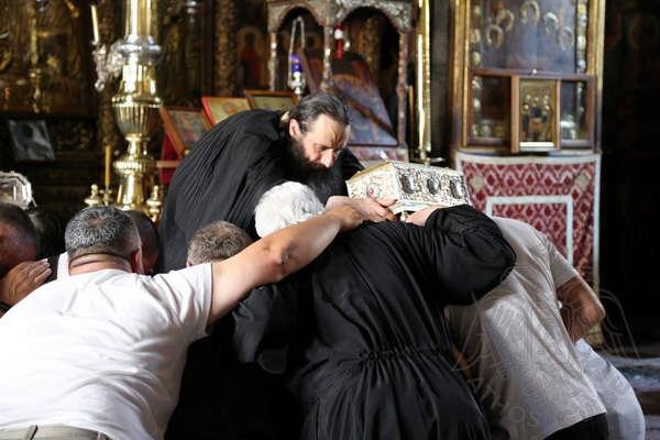Афон, Ватопед: молитва перед Поясом Пресвятой Богородицы