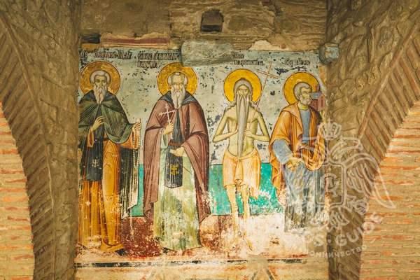 Фрески Протата с изображениями апостолов