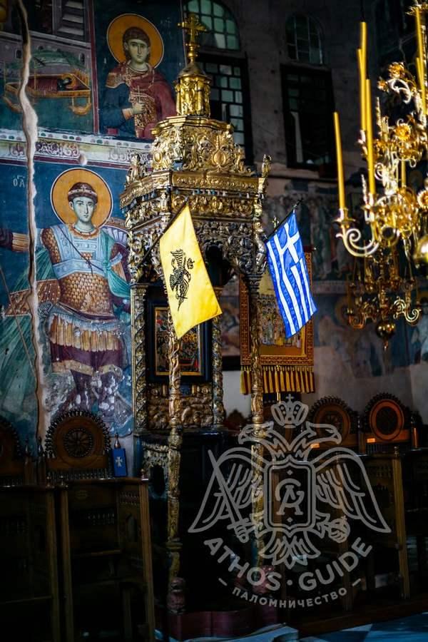 Фрески в храме Протата