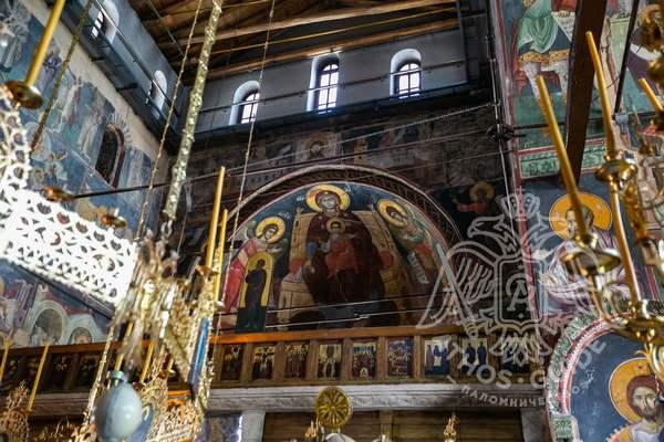 Фрески Протата с изображением Богородицы