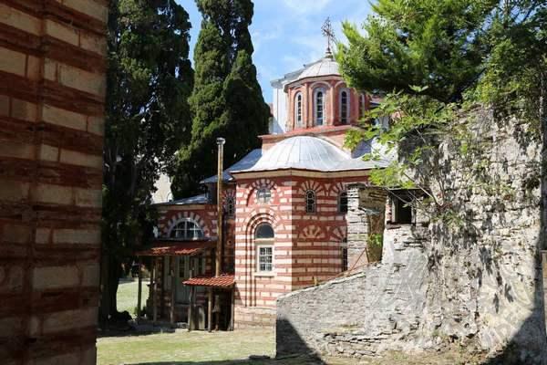 Постройки на территории монастыря