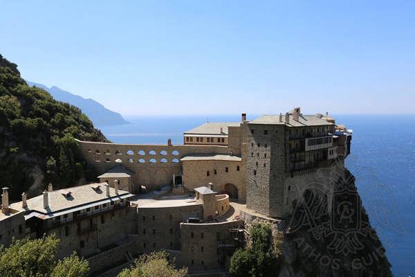 Панорамный вид монастыря Симонопетра