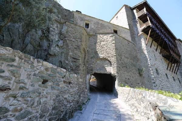 Фото монастыря Дионисиат, вход