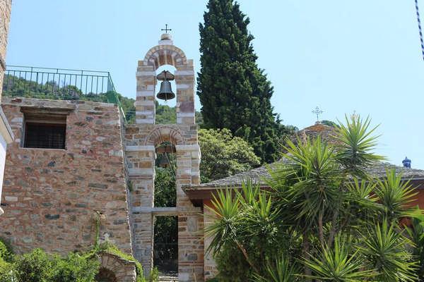 Колокольня монастыря Дохиар