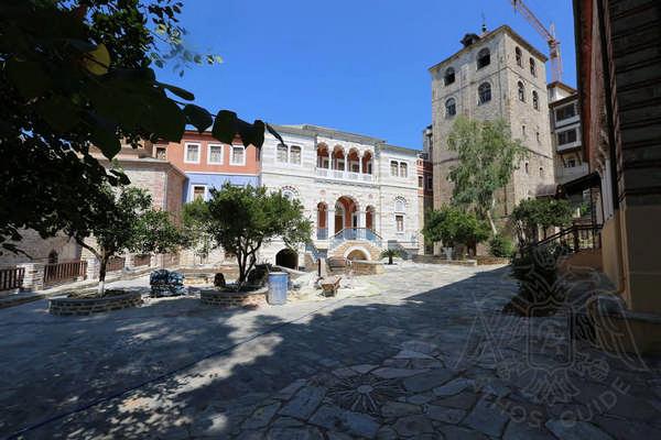 Ксенофонт, Афон: внутренний двор монастыря