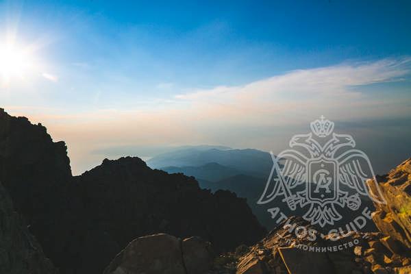 Панорамный вид с вершины Святой Горы на Афоне