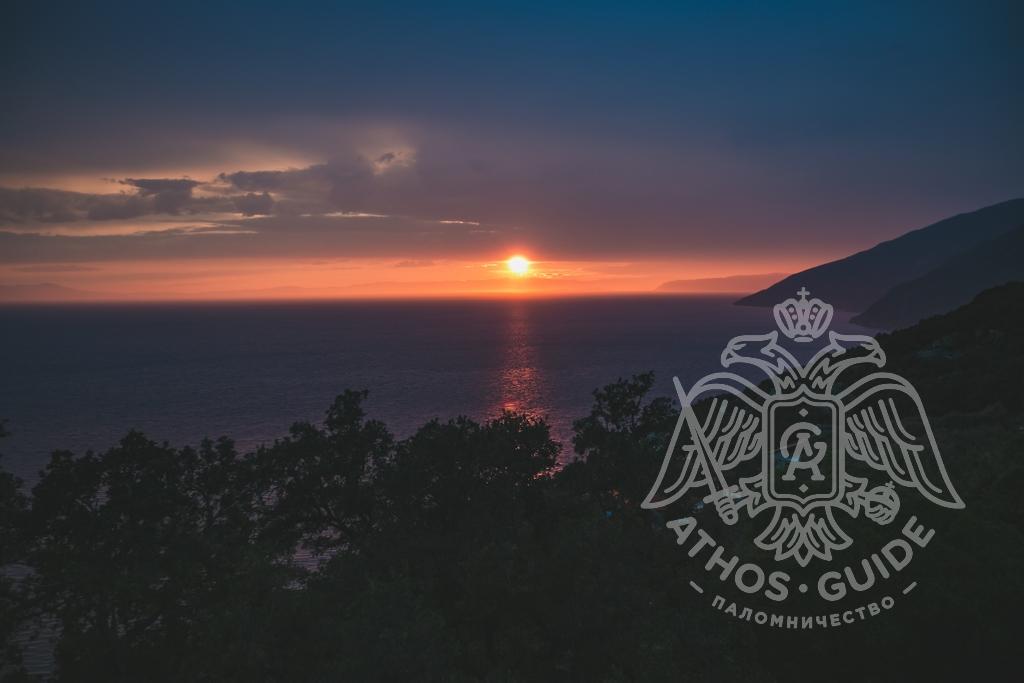 Вид на закат с Афона