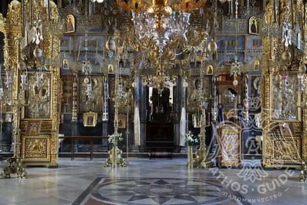 Мраморный пол монастыря