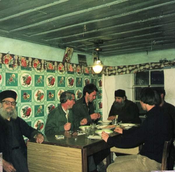 Обед с учениками в Кавсокаливии, 1971 год