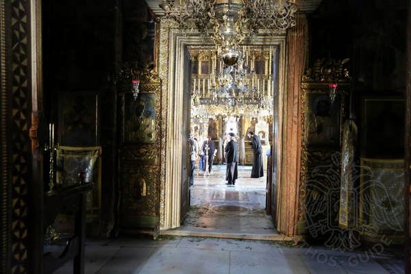 Двери храма монастыря Иверон