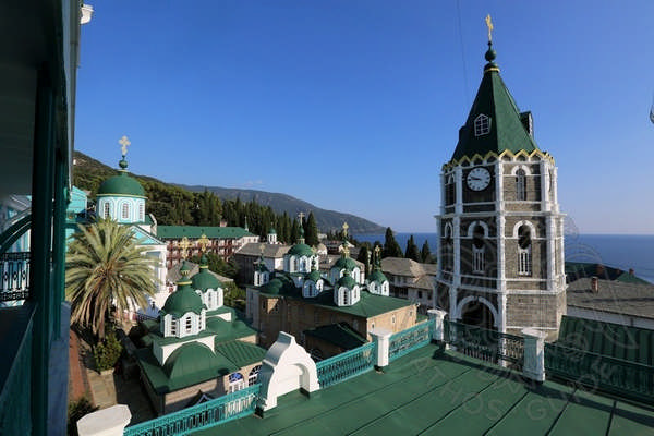 Вид на монастырь Св. Пантелеймона