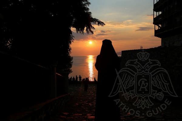 Закат в монастыре св. Пантелеймона