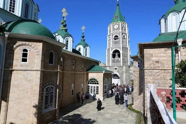 Площадь монастыря Святого Пантелеймона
