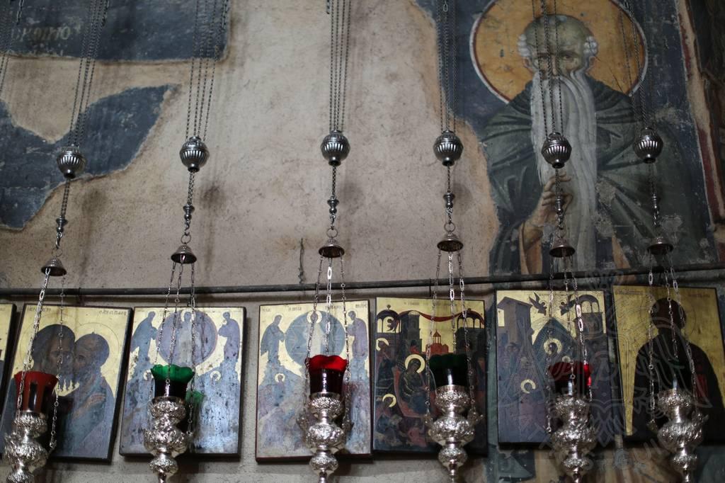 Фото иконы Петра и Павла в числе других, храм Протата